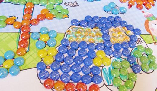 Поделка из цветных камушек 525