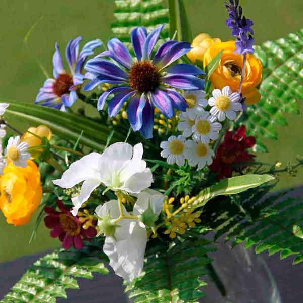 Купить искусственные цветы недорого